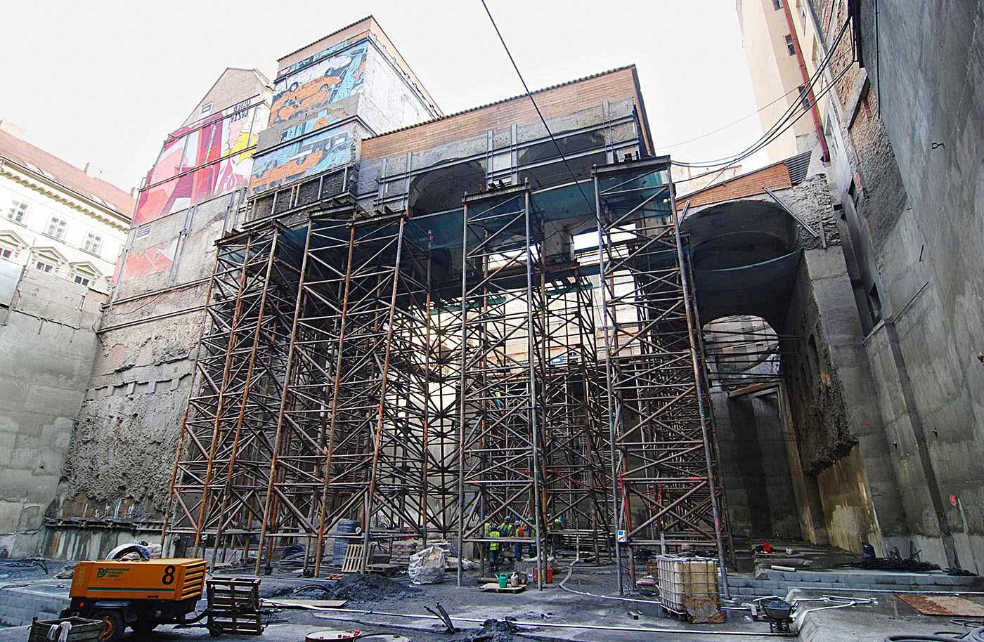Palác Národní – zajištění stavební jámy a podchycení historických objektů
